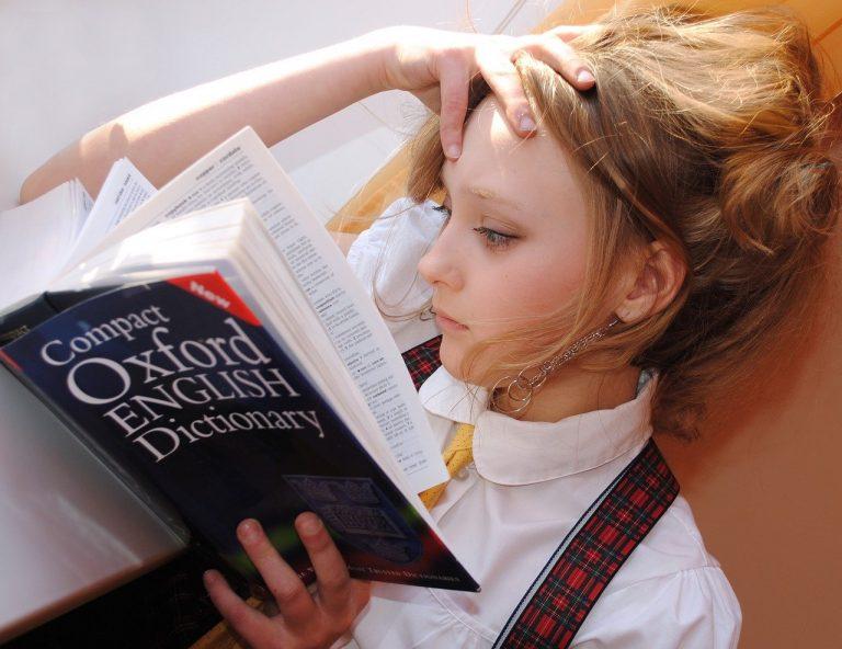 girl, english, dictionary-2771936.jpg